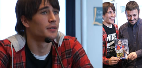 """Bojan Krkic presentant """"El Meu Barça"""". A la dreta amb Ivan San Antonio, col·laborador en el llibre i periodista de l'Sport."""