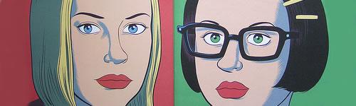 Rebecca sobre vermell i Enid sobre verd.
