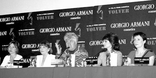 D'esquerra a dreta (Lola Dueñas, Carmen Maura, Pedro Almodóvar, Penélope Cruz, Blanca Portillo).