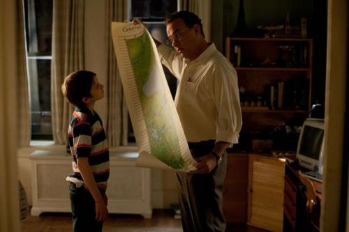 """Thomas Horn i Tom Hanks a """"Tan fuerte, tan cerca""""."""