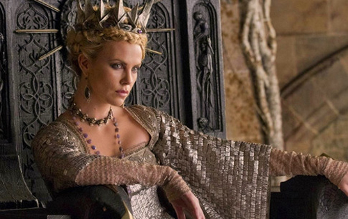 "Charlize Theron es la malvada reina Ravenna a ""Blancanieves"""