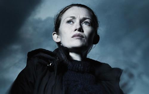Què està mirant la Sarah Linden (Mireille Enos)? - The Killing.
