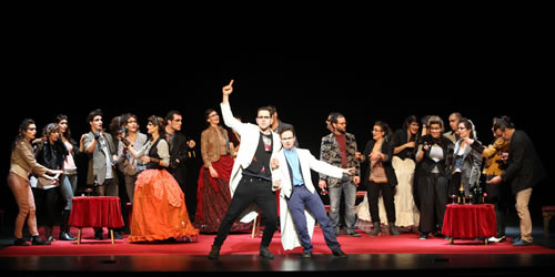 """El Cor de Teatre a """"Operetta""""."""