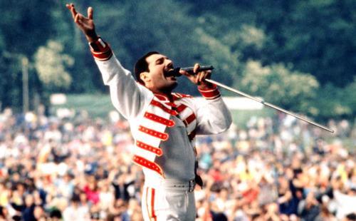 "Freddie Mercury a ""Hungarian Rhapsody: Queen Live In Budapest '86"""