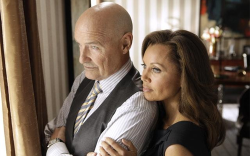 Terry O'Quinn i Vanessa Williams, rics i diabòlics