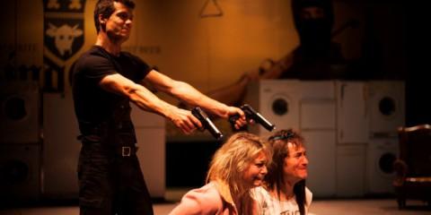 Obra de teatre, El_tinent_dinishmore, companyia teatrebrik.