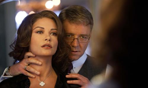 "Catherine Zeta-Jones i Russell Crowe a ""La Trama""."