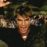 "Ricky Martin a ""She Bangs""."