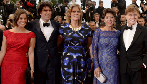 "Robert Redford y el equipo de ""All is lost"" en Cannes. (C) AFP/FDC"