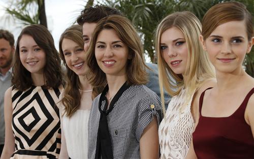 Sofia Coppola con Emma Watson i el resto de chicas de 'The Bling Ring'. (C) AFP