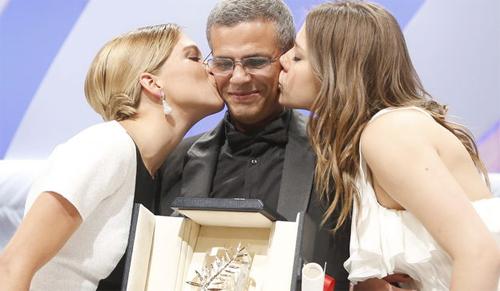 Abdel Kechiche y sus protagonistas recogen la Palma de Oro por 'La vie d'Adele'