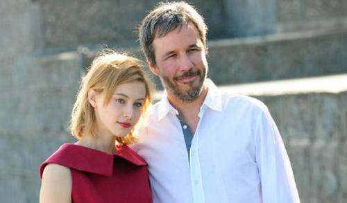 """Denis Villeneuve, director de """"Enemy"""" i l'actriu Sarah Gadon posen per la premsa a San Sebastián"""