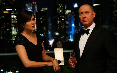 "Megan Boone i James Spader a ""The Blacklist"""