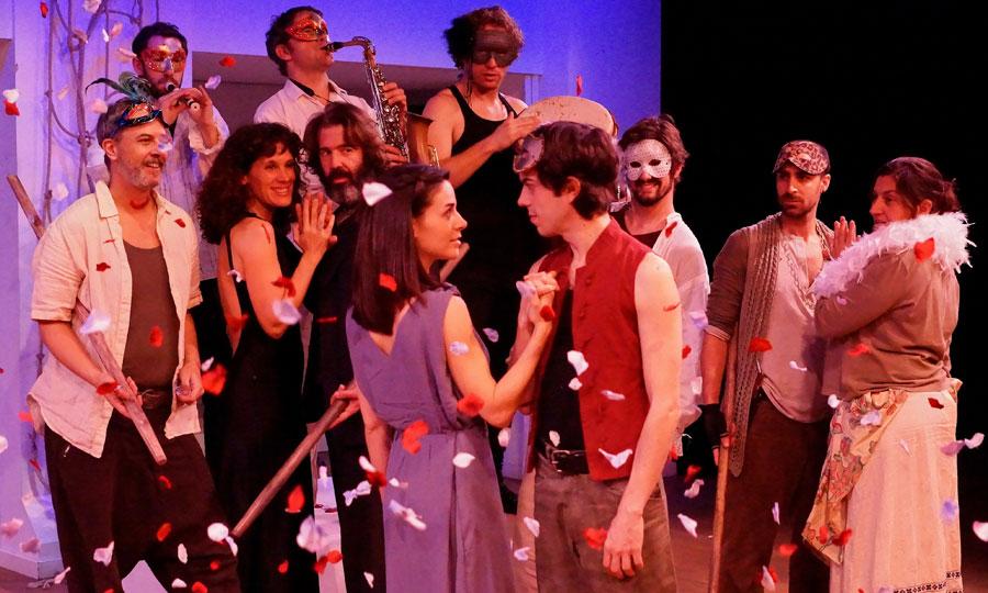 """En escena """"Romeu i Julieta"""" al Teatre Akadèmia."""