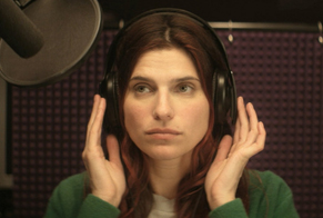 "Lake Bell a ""In a world..."""