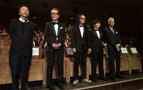 "Shinya Tsukamoto i el cast de ""Nobi (Fires on the Plain)"" a la presentació del film a Venecia"