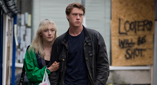 "Saoirse Ronan i George MacKay a ""Mi vida ahora"""