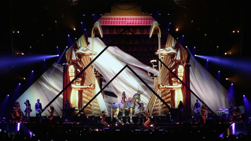 "Escenari del ""Prismatic World Tour"" de Katy Perry"