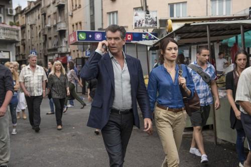 "Pierce Brosnan i Olga Kurylenko a ""La Conspiración de Noviembre"""