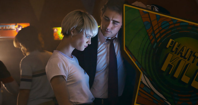 "Mackenzie Davis i Lee Pace a ""Halt and catch fire"""