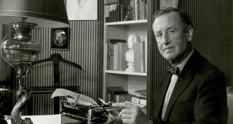 Ian Fleming James Bond