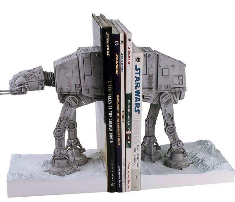 Organitzant els llibres des del planeta Hoth